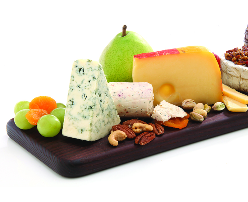 fresh & dried fruits & nuts cheese board